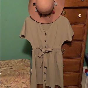 Button down,V neck, A-line dress with tie waist👗